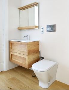 Mueble de baño suspendido con doble cajón en una de nuestras obras.